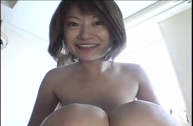 【不倫熟女動画】30代素人美乳奥さんが愛人と温泉旅行に