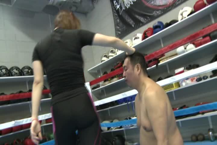(痴ジョ)痛ぇぇぇ☆ 女王様がひたすらガン面蹴りトレーニング 痴ジョ M男